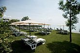 Accommodation at affordable prices at Lake Balaton in Hotel Marina with an own beach and deck-chairs
