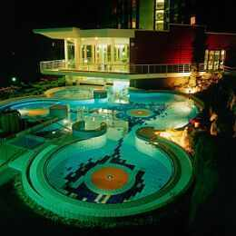 Thermal Hotel Aqua in Heviz - outdoor pools - thermal lake